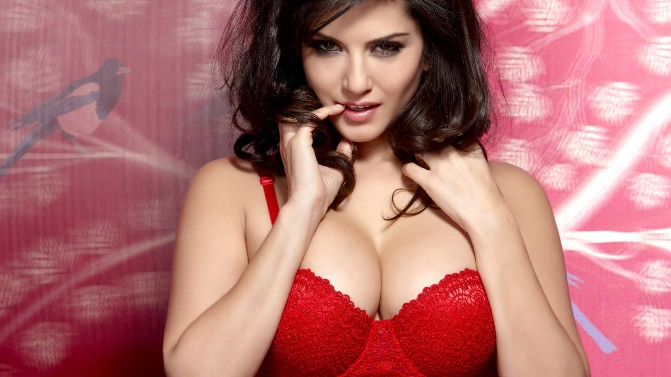 SEXY SUNNY LEONE PHOTO FULL