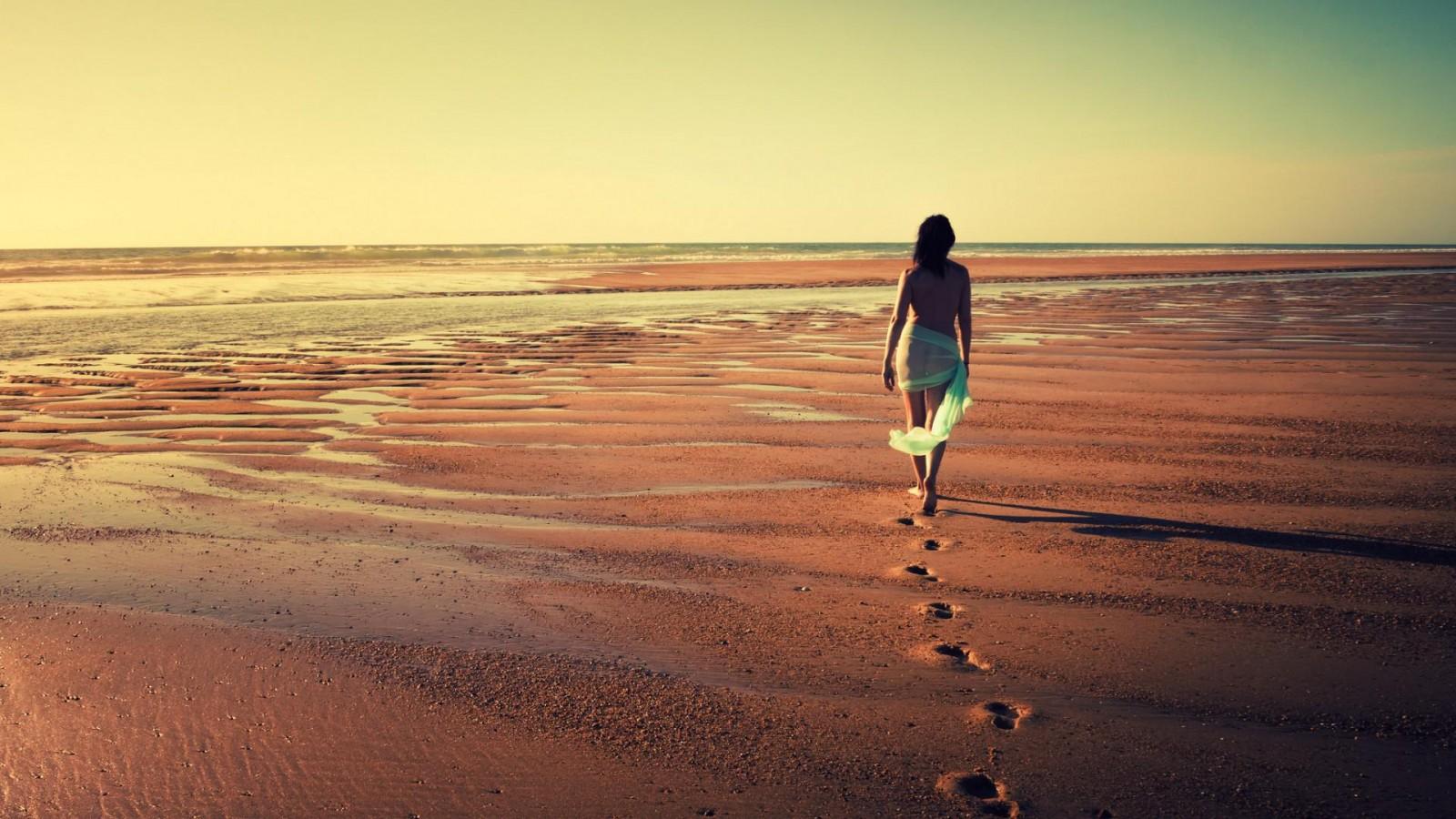 Alone Girl At Sea wallpaper