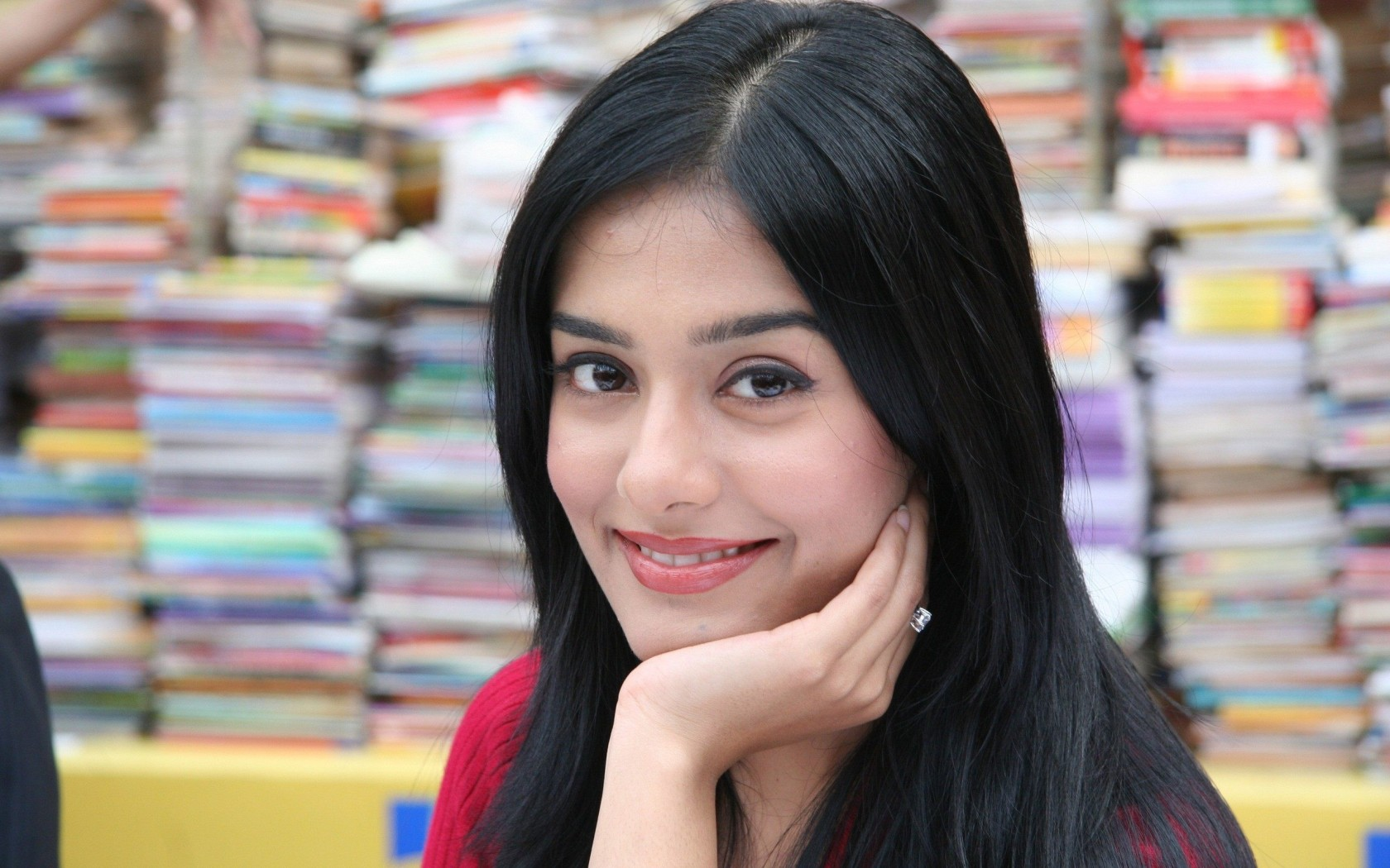 Amrita Rao Actress Wallpaper