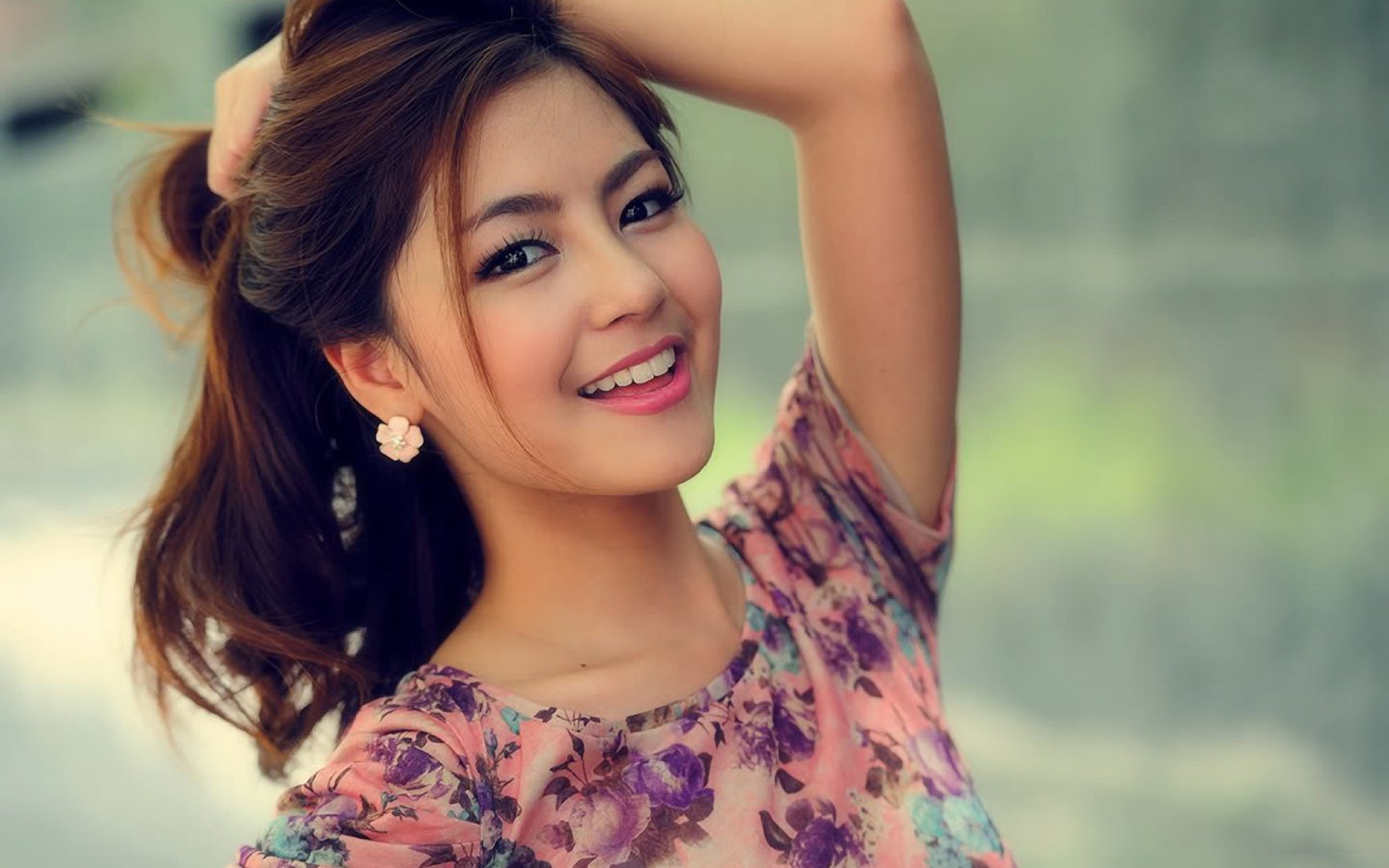 Chinese Beautiful Girl Wallpaper