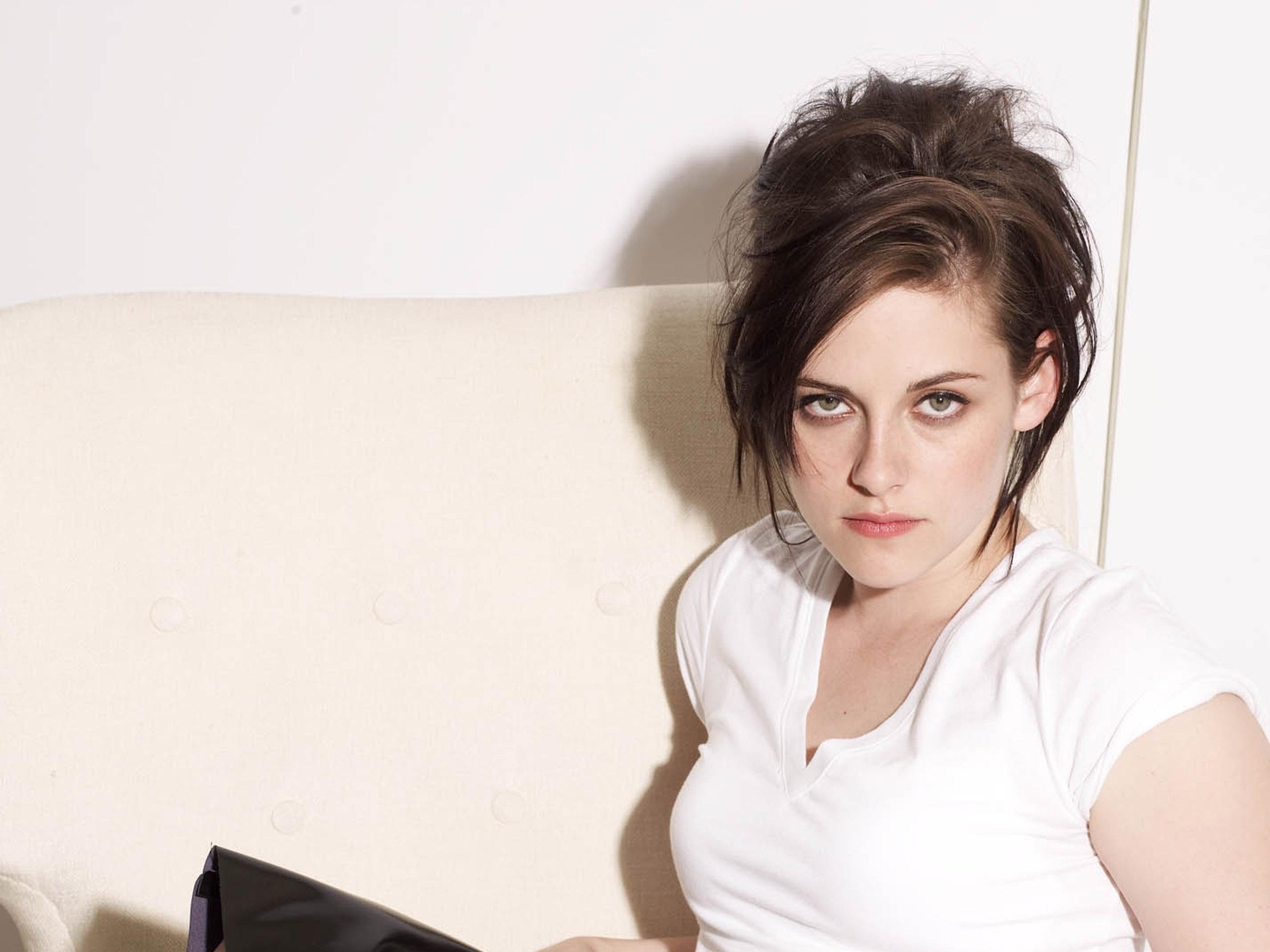 Kristen Stewart Hair Style Wallpaper