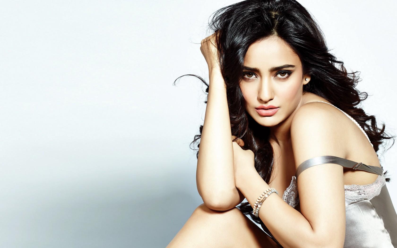 Neha Sharma Actress Wallpaper