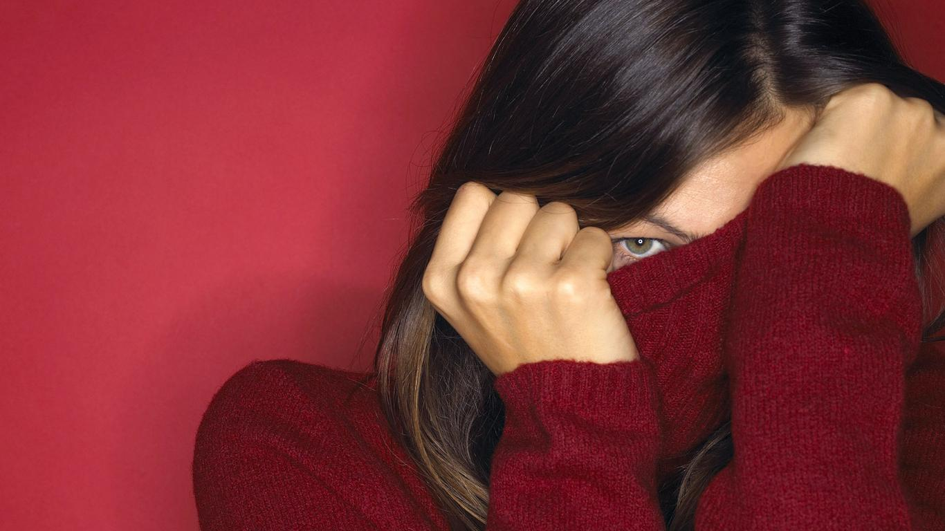 Shy Girl Wallpapers4