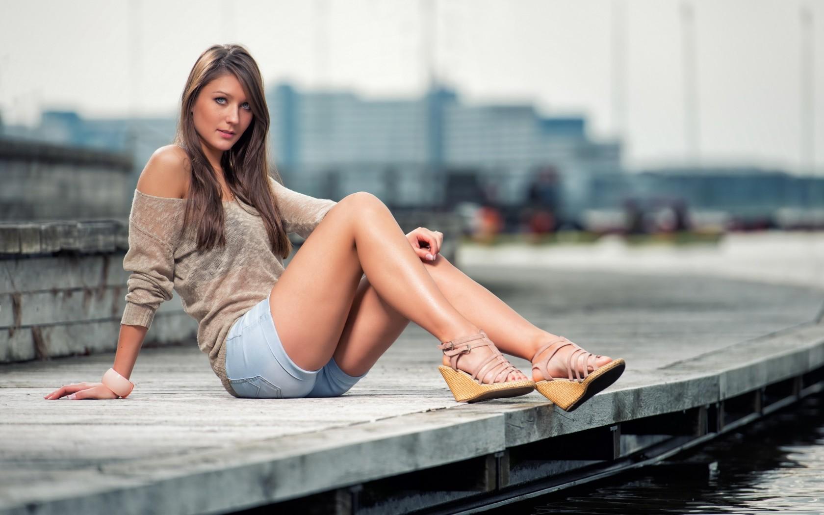 Beautiful Girl Fashion Wallpaper Download Beautiful Hot