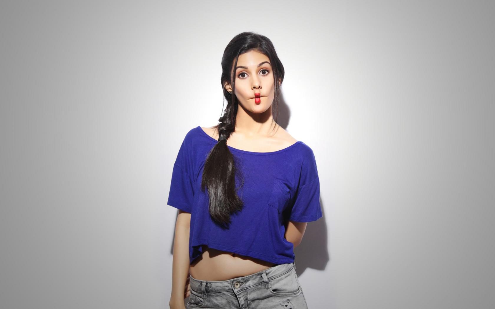 Amyra Dastur hot new looks HD wallpaper