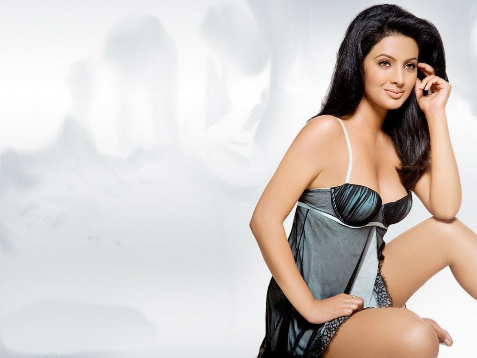 Hot bollywood celebrity geeta basra wallpaper