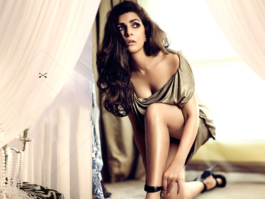 Nimrat Kaur hd wallpaper