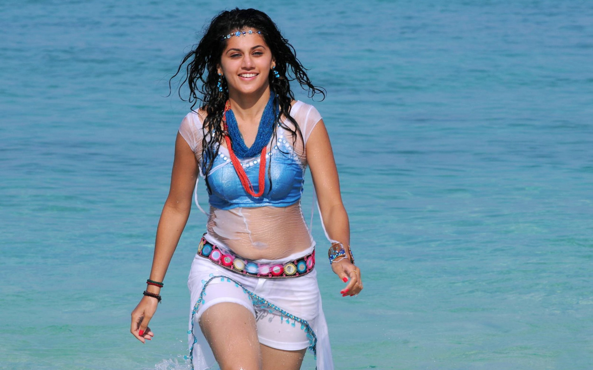 Taapsee Pannu hot hd wallpapers