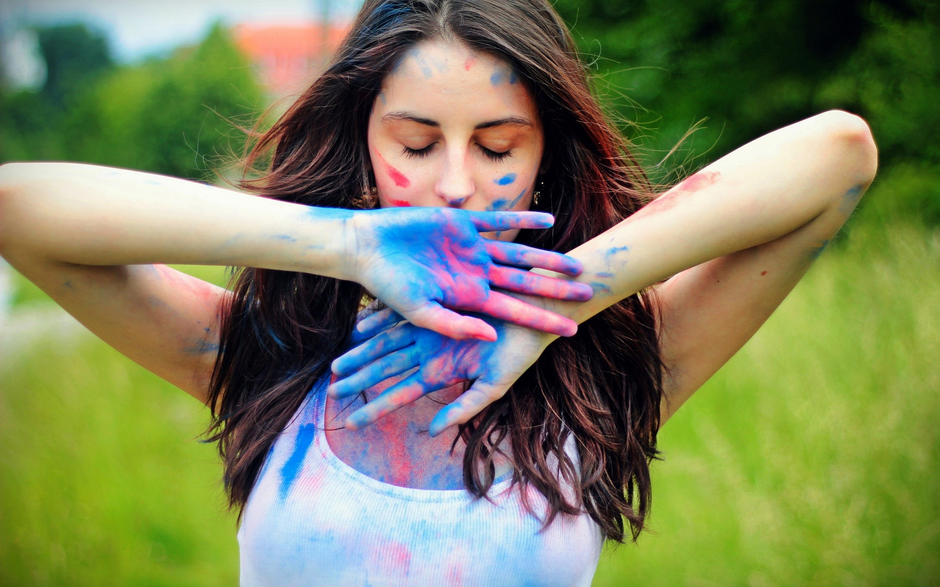 Colors hand of romantic mood girl wallpaper